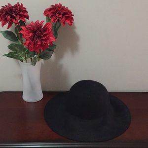 Ann Taylor hat